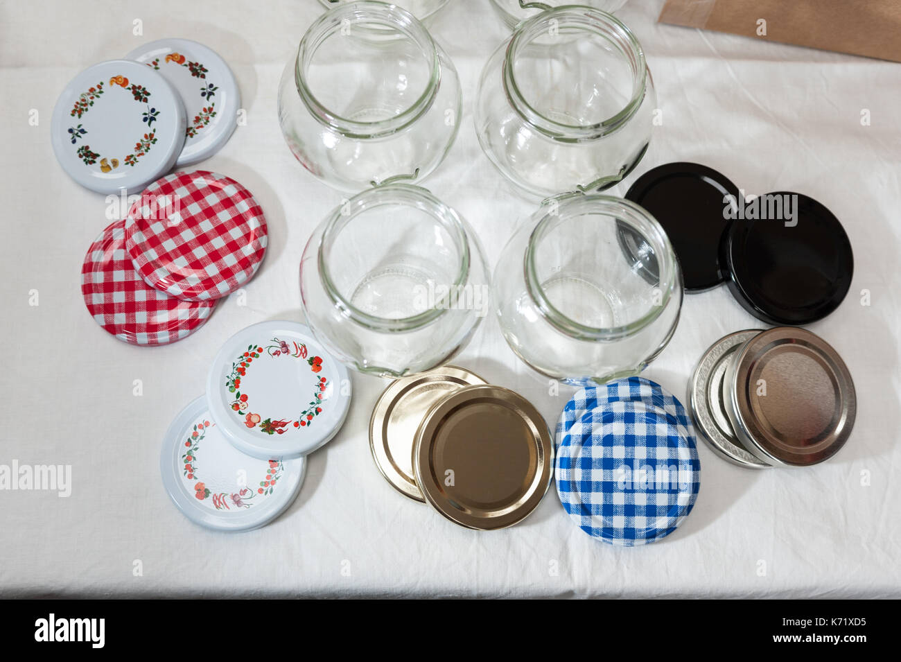 Lids stockfotos lids bilder alamy - Marmelade einkochen glaser ...