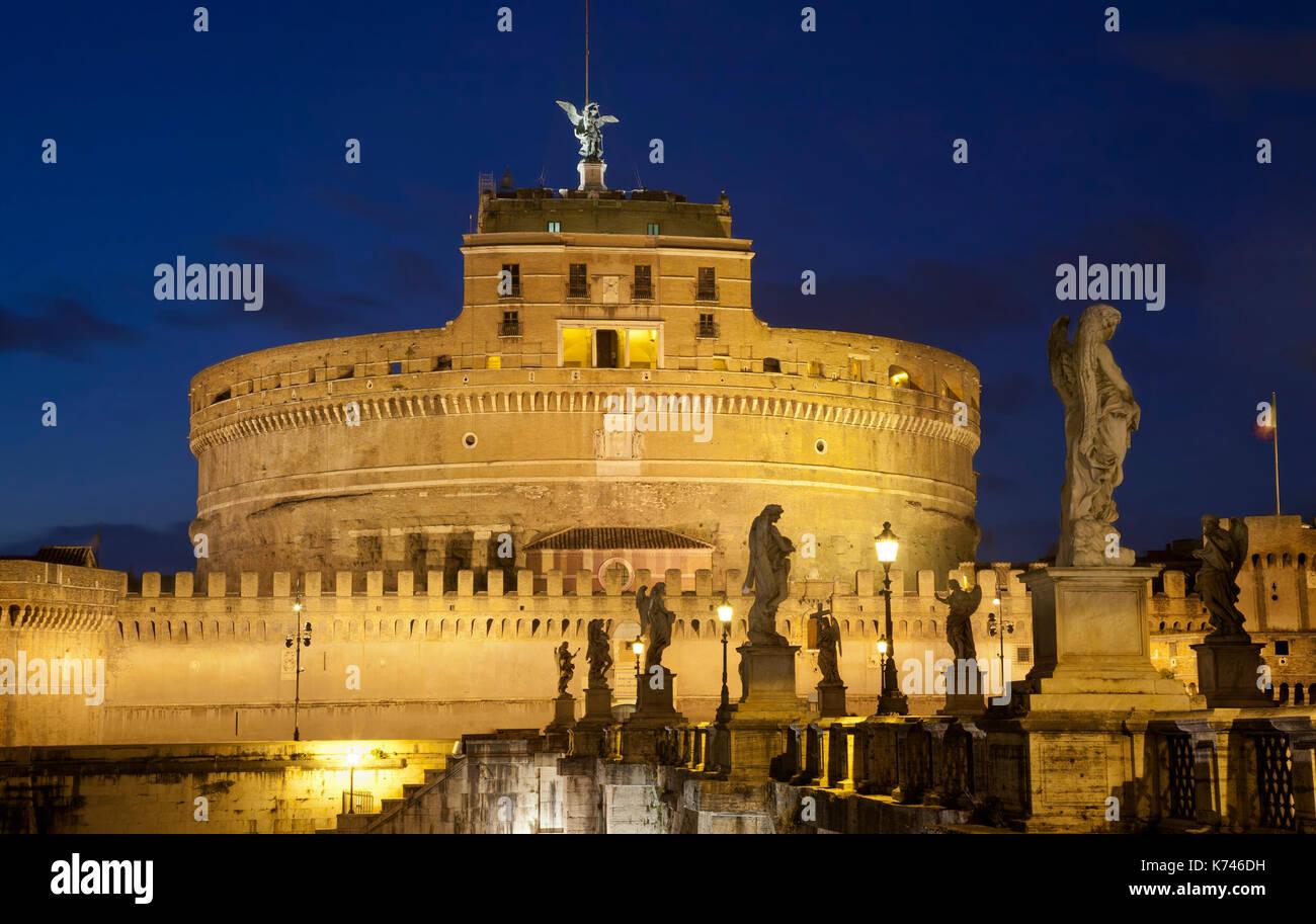 Castel Sant'Angelo in der Nacht. Rom, Italien, Hauptstadt, Burg Stockbild