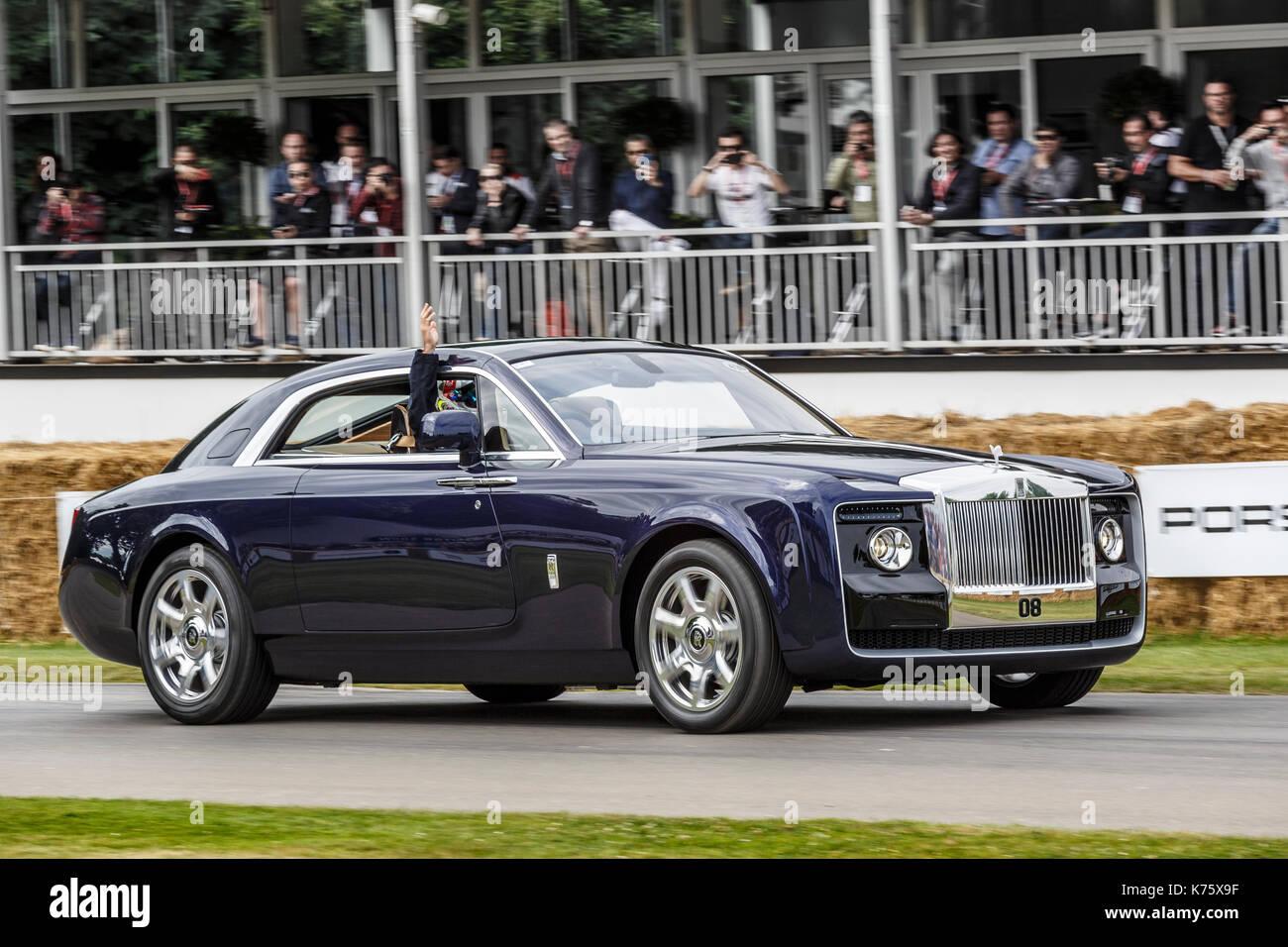 2017 Rolls Royce Wraith schwarzen Abzeichen am Goodwood Festival 2017 von Geschwindigkeit, Sussex, UK. Stockbild