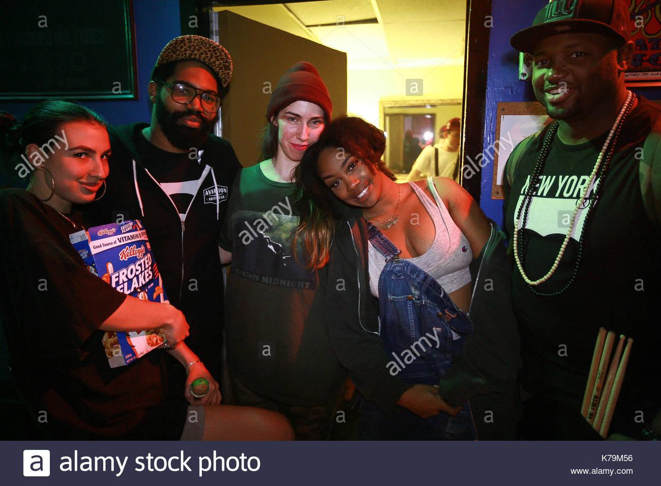 SZA. Jhene Aiko rockte die Bühne im E-Werk in Philadelphia mit ihr ...