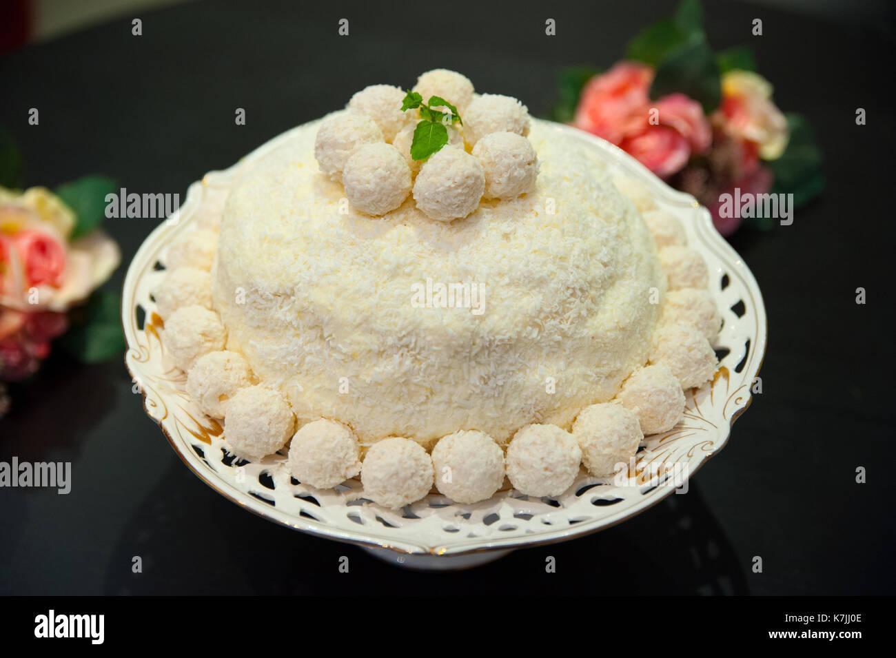 Weisse Schokolade Kuchen Stockfoto Bild 159605166 Alamy