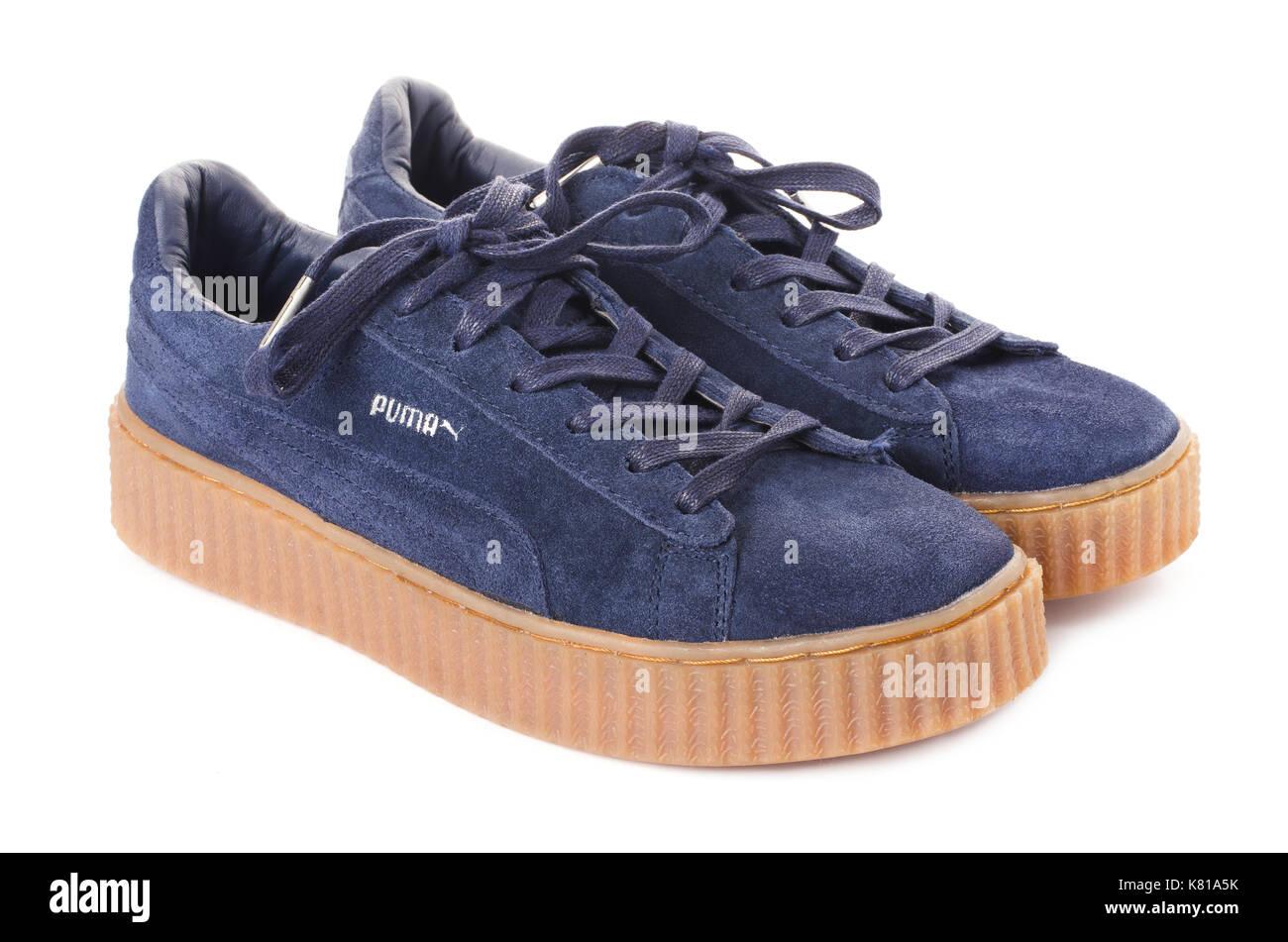 Blaue Puma Turnschuhe Stockfotos und bilder Kaufen Alamy