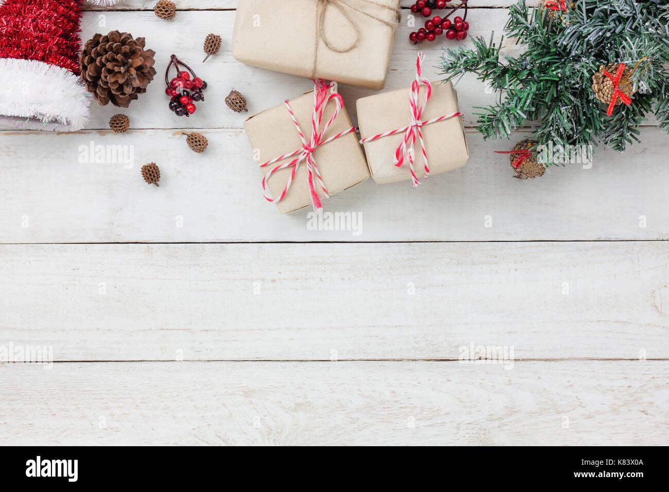 Artikel Von Weihnachten.Tabelle Blick Von Oben Auf Die Ornamente Und Dekoration Frohe