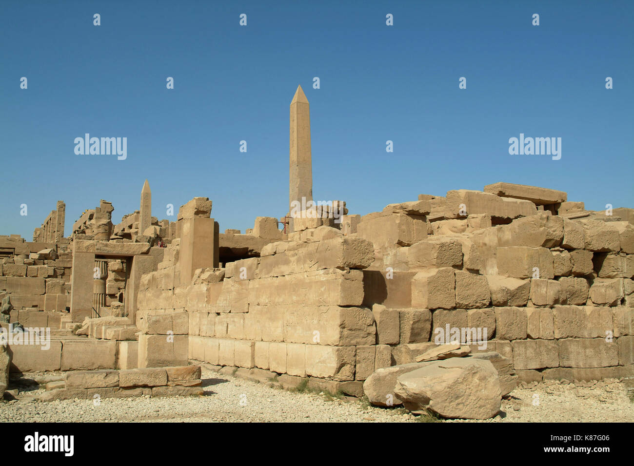 Ruinen einer antiken Tempel in Luxor, ohne Menschen, Theben, Weltkulturerbe der UNESCO, Ägypten, Nordafrika, Afrika Stockbild