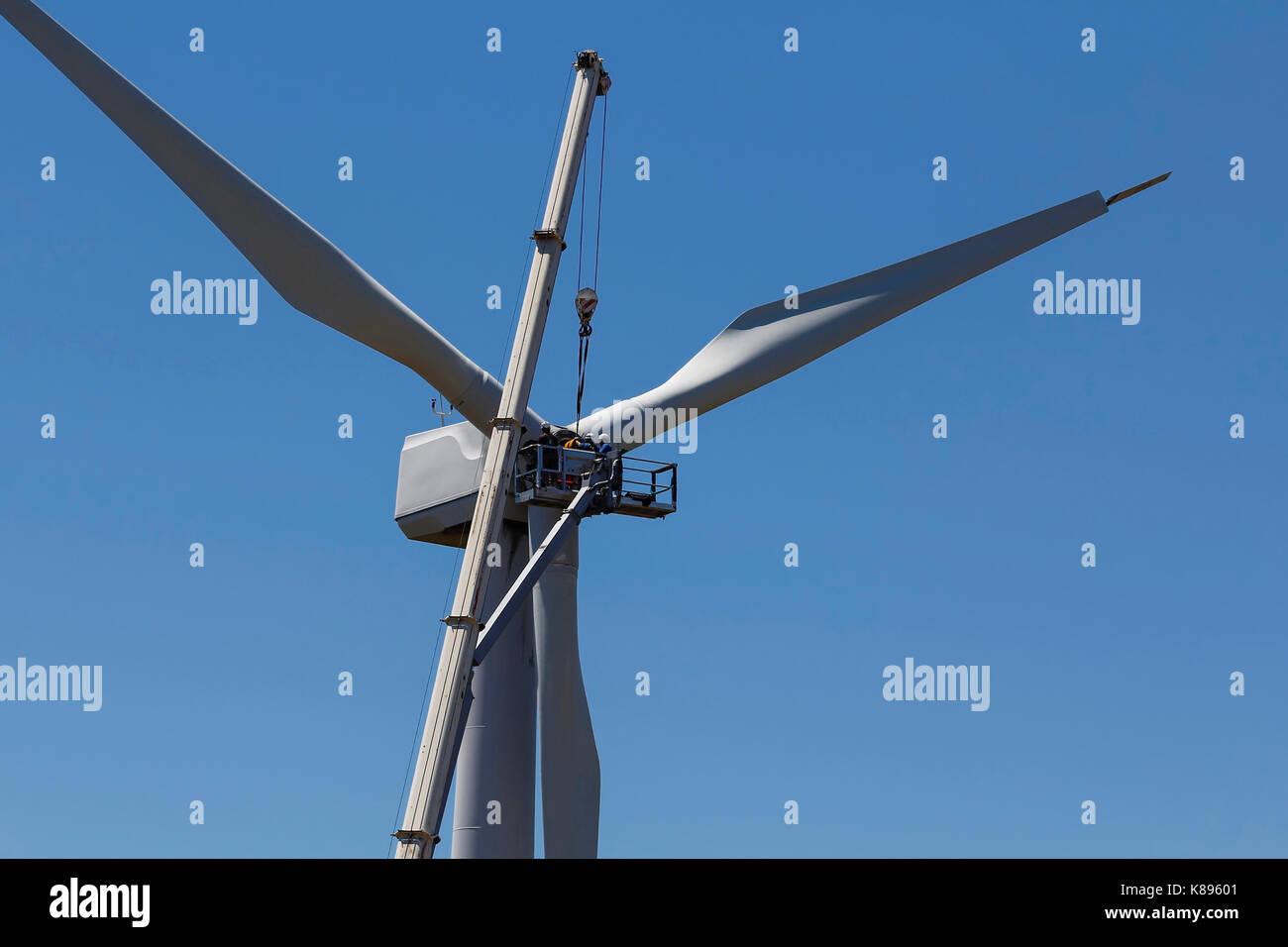 Windenergieanlagen Wartung, mechanische Wiedergutmachung für die Stromerzeugung Stockbild