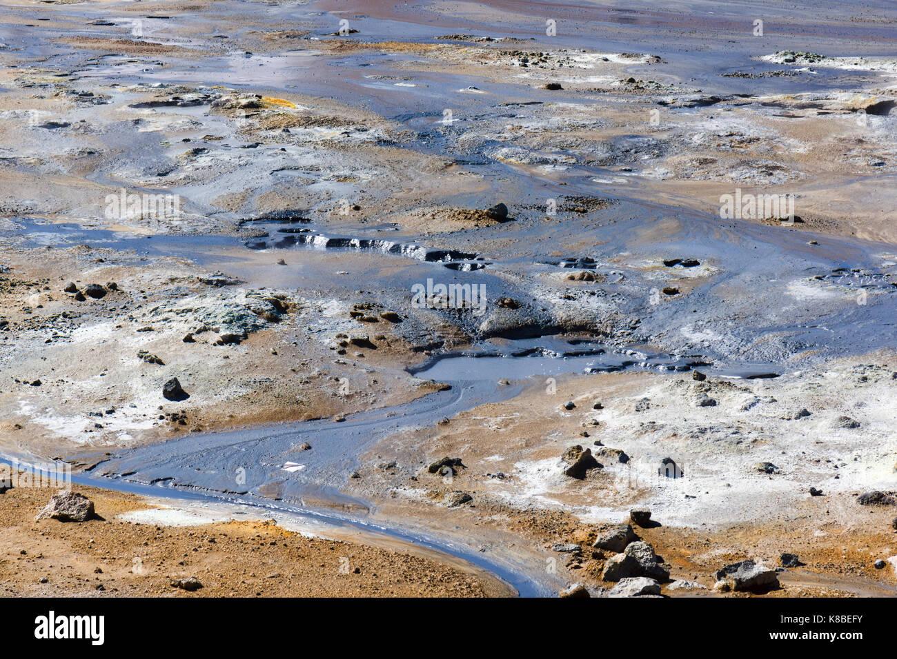 Graue heiße Schlamm an Námafjall Hverir geothermale Region, Island Stockbild