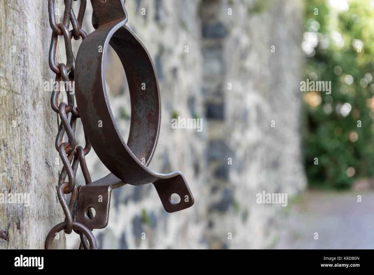 shackles prisoner stockfotos shackles prisoner bilder. Black Bedroom Furniture Sets. Home Design Ideas