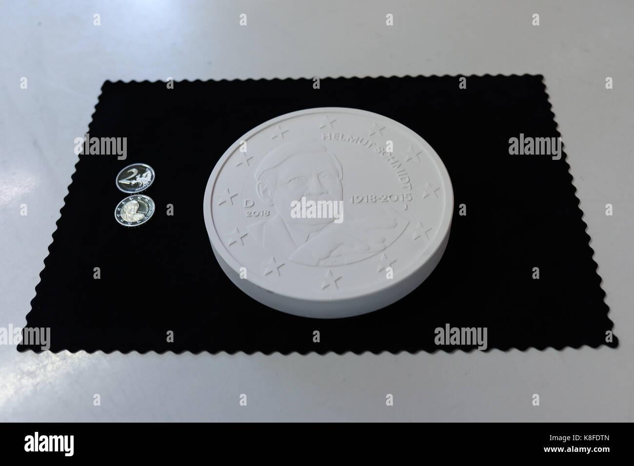 Zwei Minted 2 Euro Münzen Mit Dem Bildnis Des Ehemaligen Deutschen
