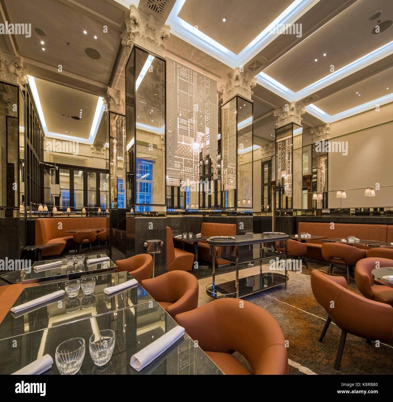 Art déco-Bar und Restaurant. 10 Trinity Square - Four Seasons Hotel ...