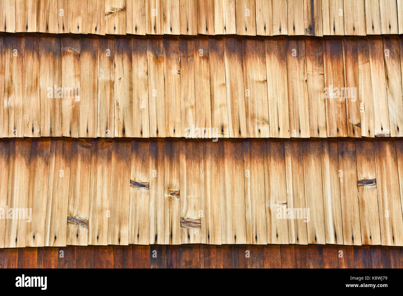 old wood shingle roof texture stockfotos old wood shingle roof texture bilder alamy. Black Bedroom Furniture Sets. Home Design Ideas