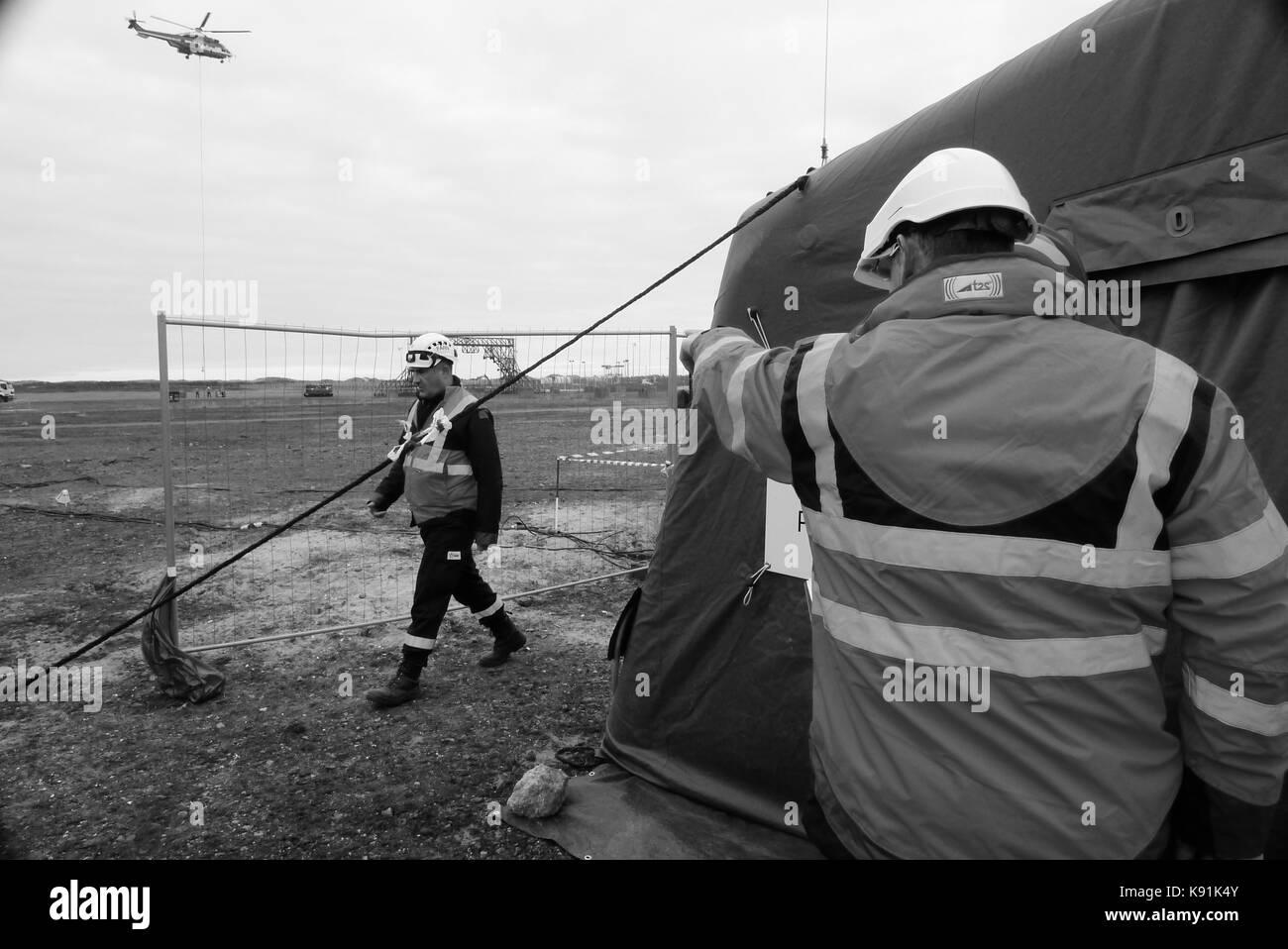 Französische nukleare Schnelle Eingreiftruppe - Farn - Teil in einen Bohrer staging bei einem Unfall in Gravelines Stockbild