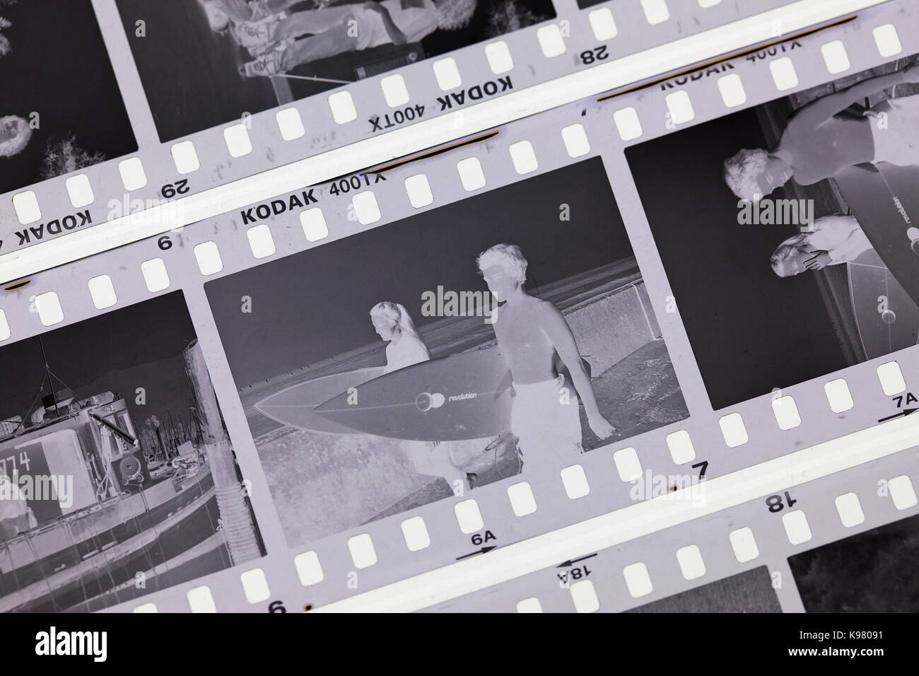 Freiliegende Kodak Tri-X 400 schwarz und weiß Negativfilm auf Licht Tabelle - USA Stockbild