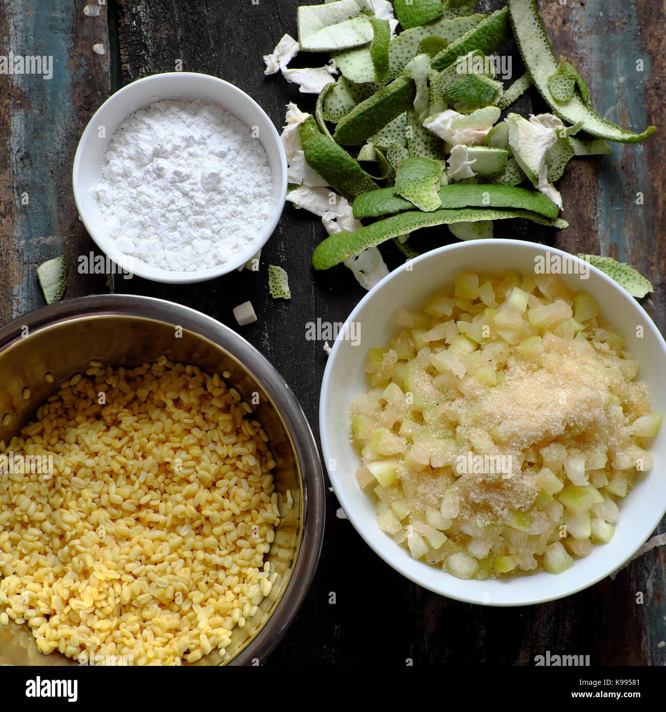 Vietnamesische Küche zum Nachtisch, che buoi oder Grapefruit süßen Brei, eine beliebte Suppe aus Stockbild