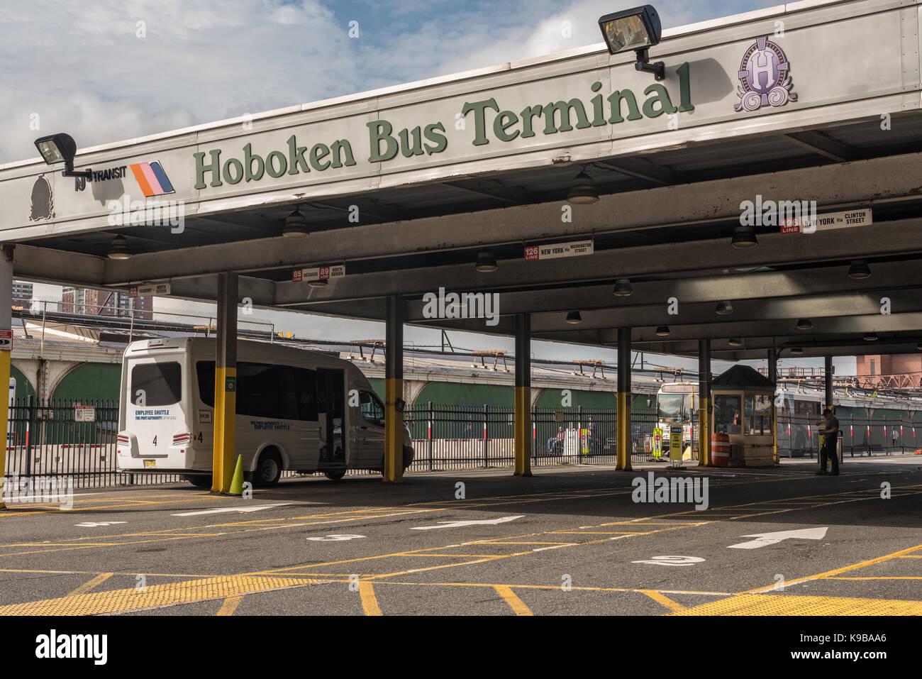 Hoboken, NJ USA - September 19, 2017 Foto der Hoboken Bus Terminal bedient von der Hafenbehörde von New York Stockbild