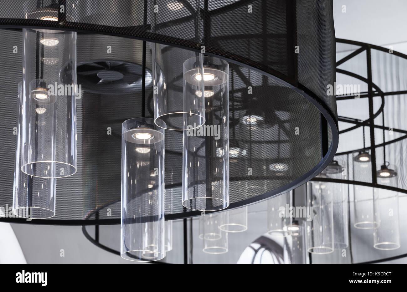 Kronleuchter Weiß Led ~ Zeitgenössisches interieur fragment kronleuchter mit runden glas