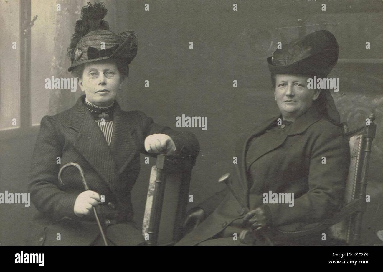 Mej. Anna Clasina Leijer (l) de Maria Hillegonda Hollertt (r) Stockbild