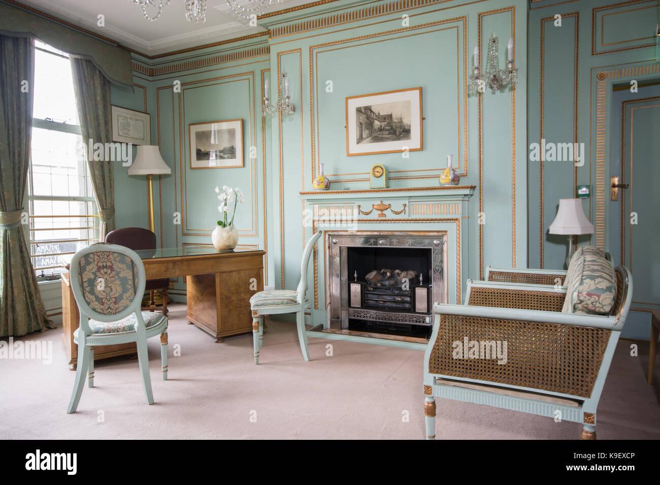 Klassische englische Wohnzimmer in Nottingham Council House ...
