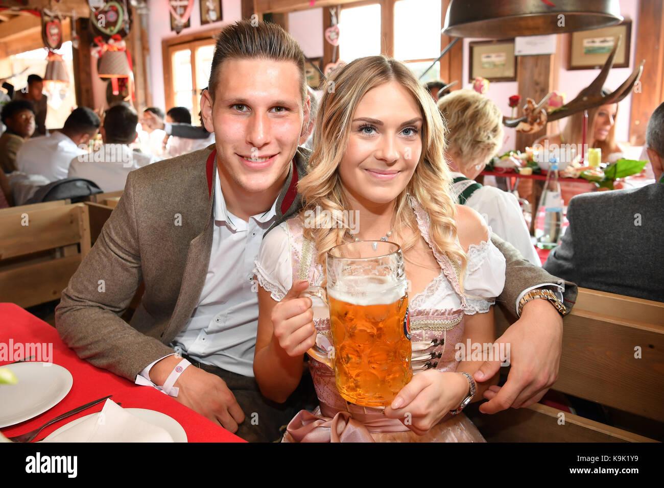 Muenchen, Deutschland. 23 Sep, 2017. Niklas SUELE (FC Bayern München ...