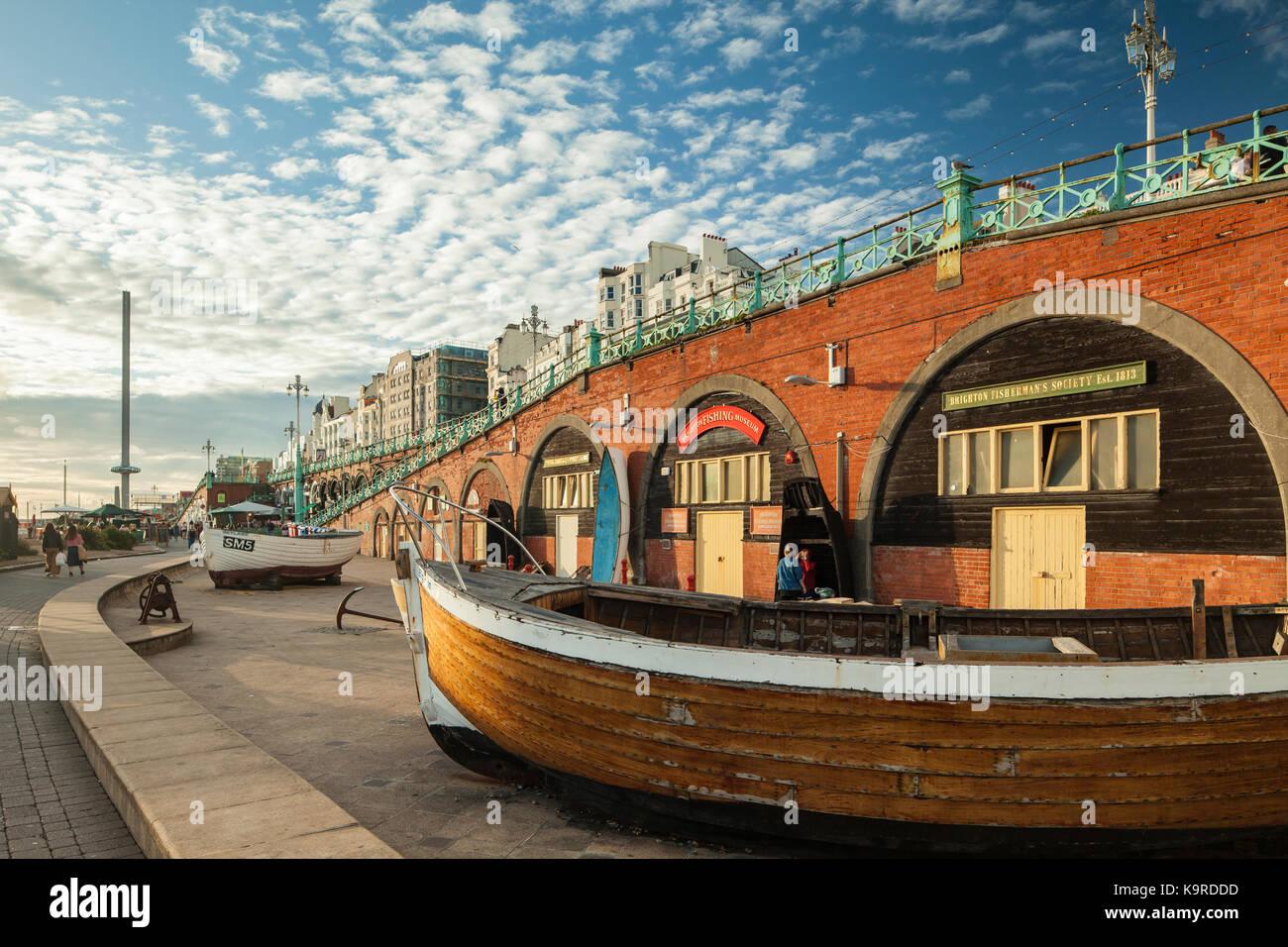 Spätsommer Nachmittag im Fischerei Museum direkt an der Meeresküste von Brighton, East Sussex, England. Stockbild