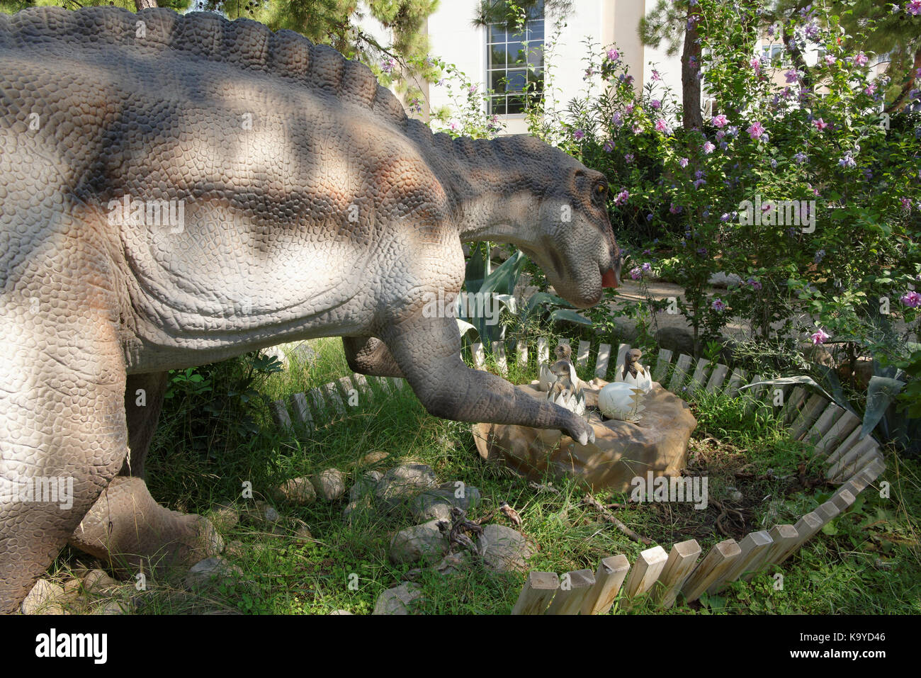 Dinosaur Nest And Eggs Stockfotos & Dinosaur Nest And Eggs Bilder ...