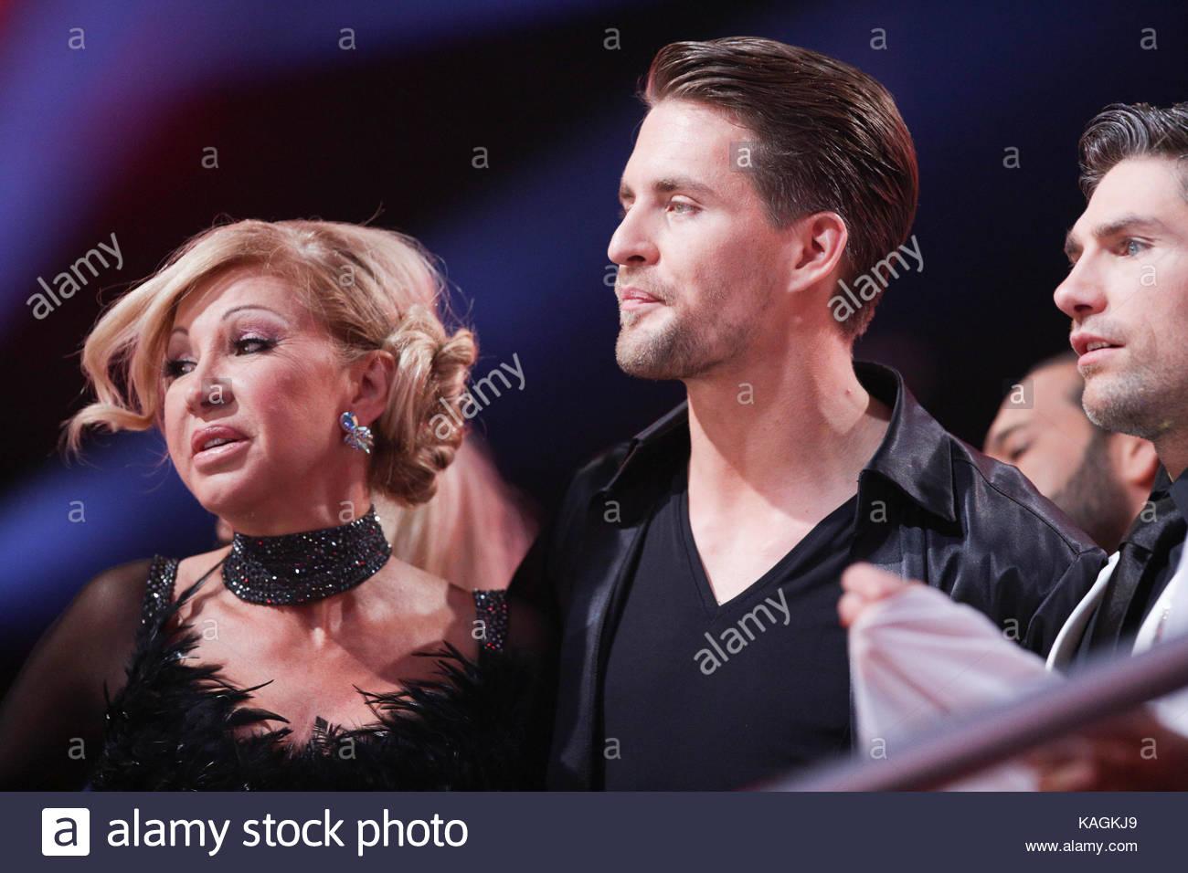 Carmen Geiss Alexander Klaws Berühmtheiten Konkurrieren Während