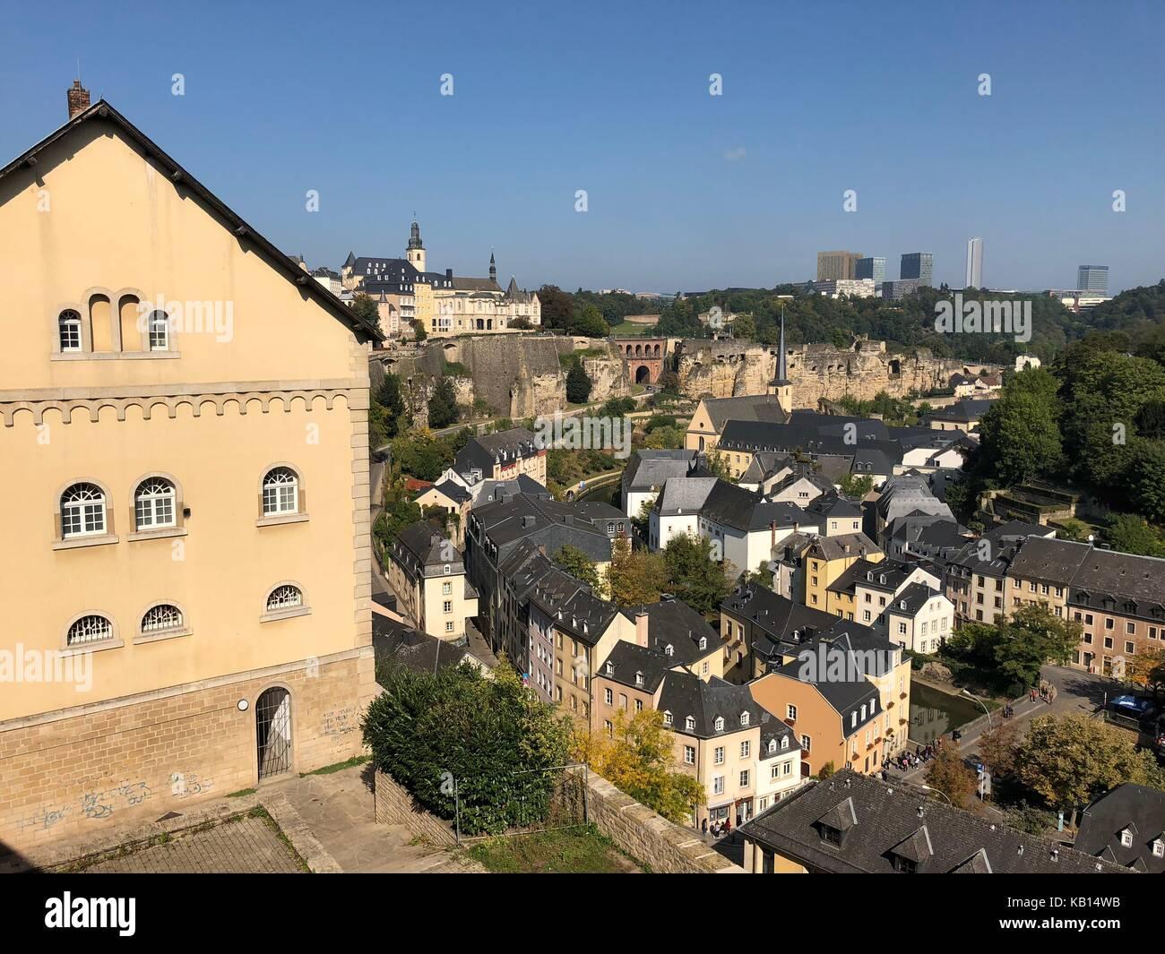 Herrliche Aussicht über die Altstadt von Luxemburg Stockbild