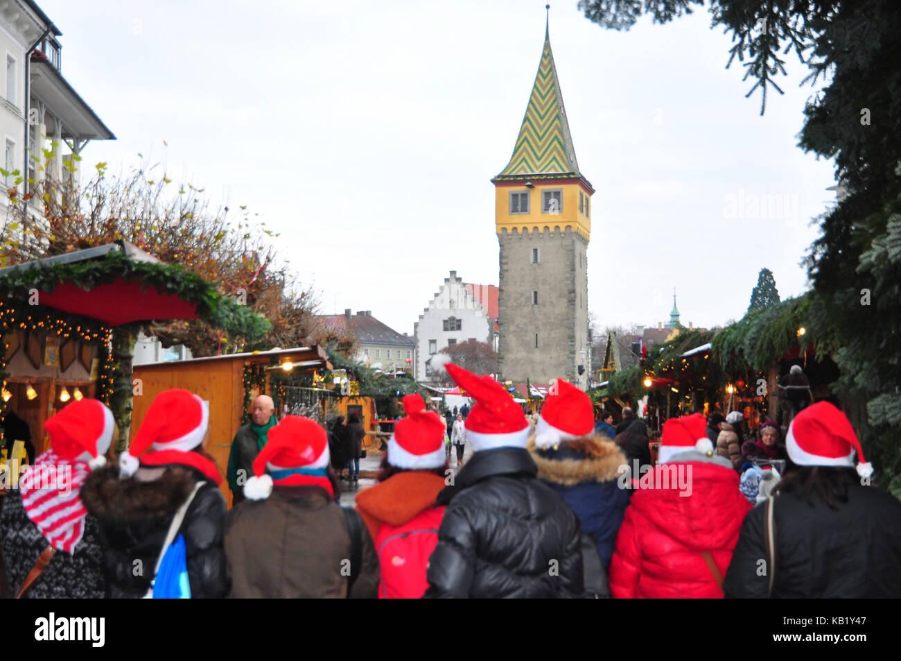 Lindau Weihnachtsmarkt.Deutschland Bayern Bodensee Lindau Weihnachtsmarkt Besucher