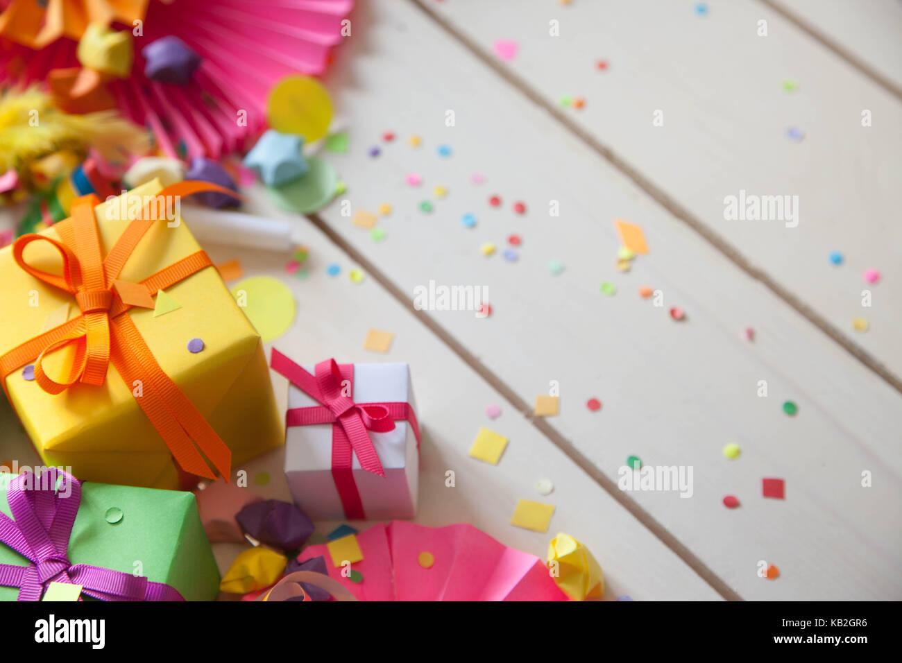 Farbigen Geschenk Boxen Mit Bunten Bandern Weisser Hintergrund