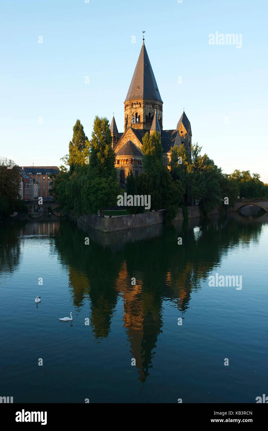 Frankreich, Moselle, Metz, der Insel petit saulcy Temple Neuf oder Kirche der neun deutschen, die Ufer der Mosel Stockbild