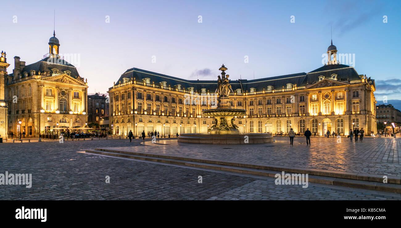 Brunnen der Drei Grazien, Place De La Bourse, Bordeaux, UNESCO-Weltkulturerbe, Gironde, Aquitanien, Frankreich, Stockbild