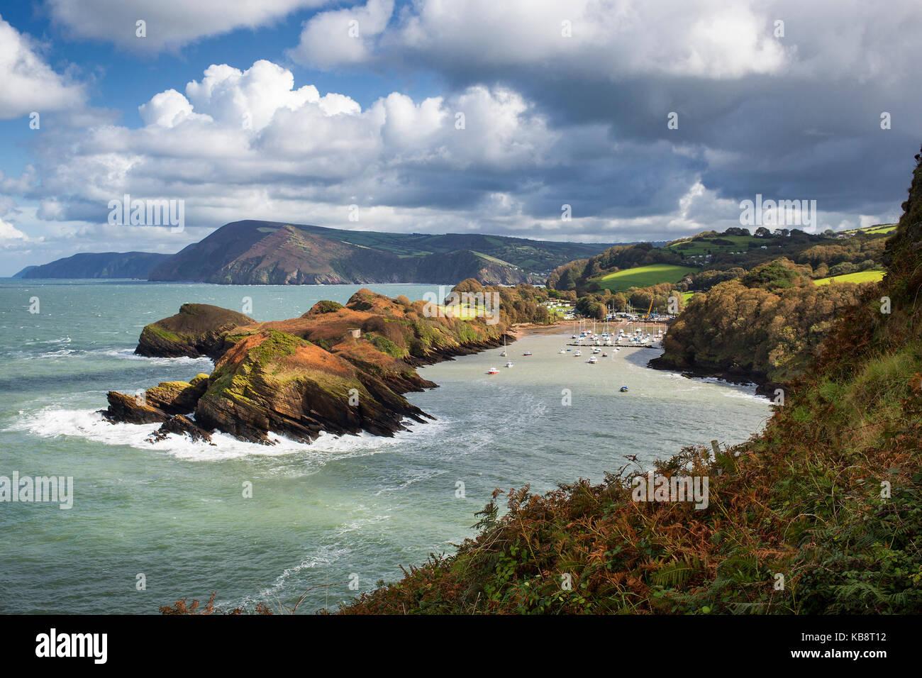 Küstenlandschaft an der Mündung der Bucht, in der Nähe von Ilfracombe in North Devon, Großbritannien Stockbild