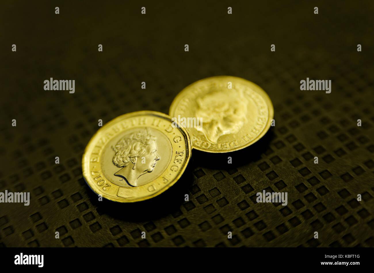 Gb Pound Münzen alte und neue Version Stockbild