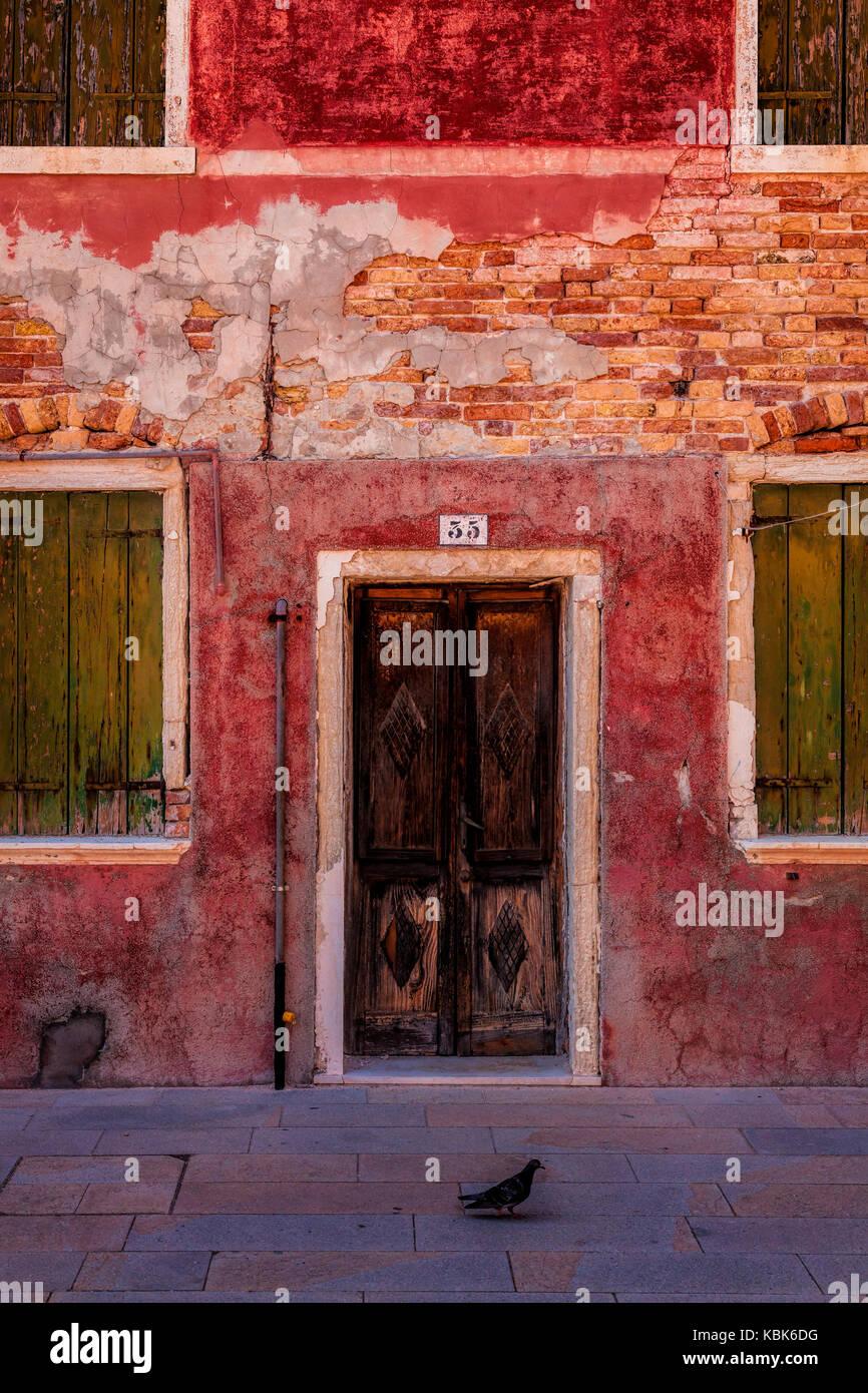 Fassade in Burano, Italien Stockbild