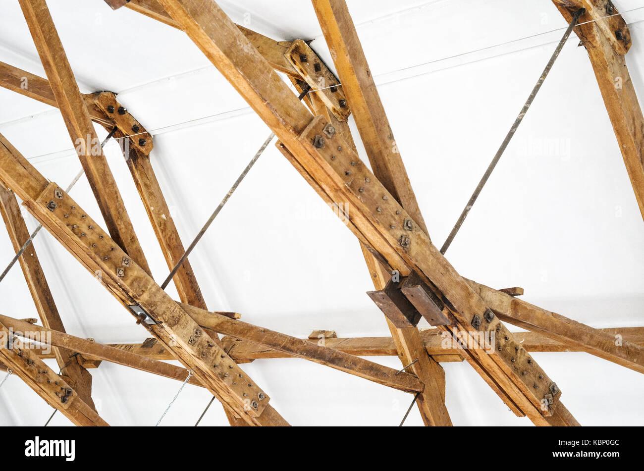 f0c9a096d87008 Holzsparren In Der Fabrik Stockfotos & Holzsparren In Der Fabrik ...
