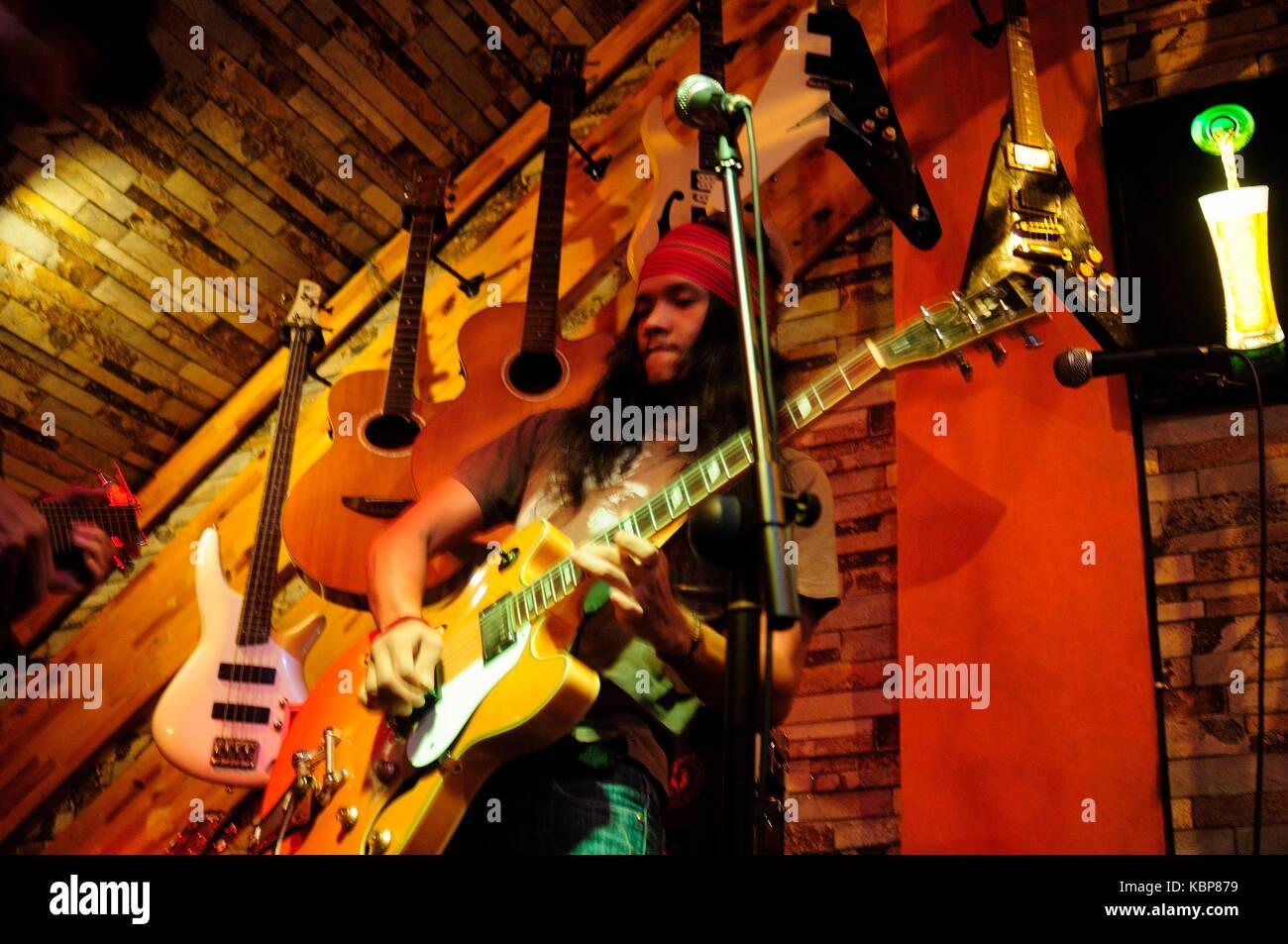 Indonesien. 30 Sep, 2017. Blues Medan Gemeinschaften zusammen jammen über Generationen mit, mbs Allstar, Beng Stockbild