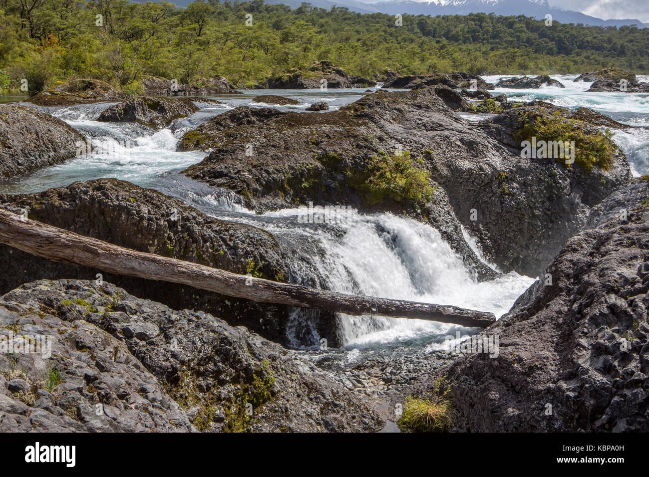Petrohue Wasserfälle, Vicente Pérez Rosales Nationalpark, Chile. Stockbild