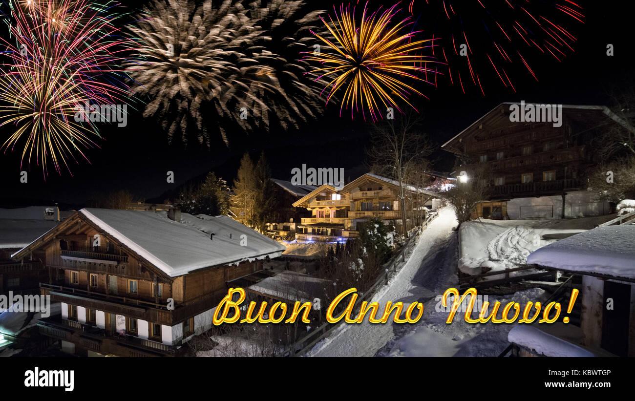 Vorabend Des Neuen Jahres Mit Alpinen Dorf Im Schnee Feuerwerk Und