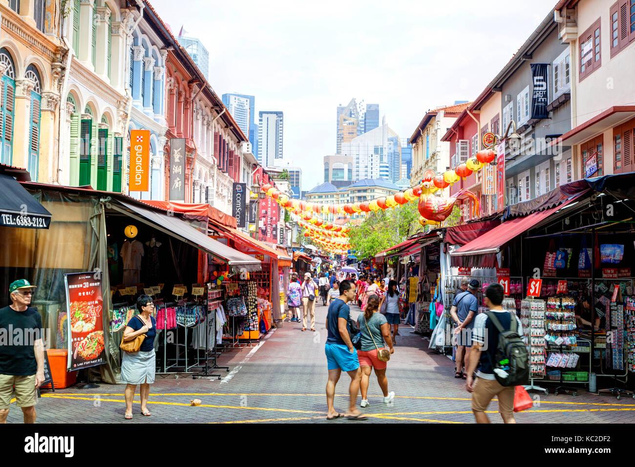 Singapur - September 11, 2017: Käufer Chinatown besuchen für ...