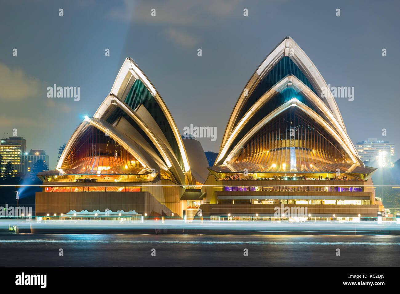 Sydney Opera House in der Nacht Stockbild