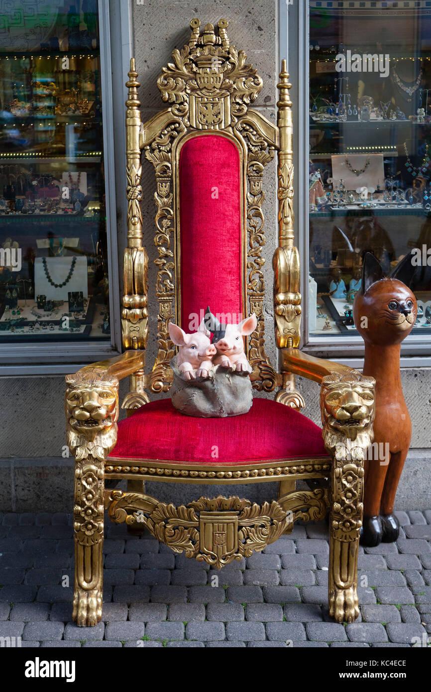 Wunderbar Möbelhaus Köln Sammlung Von Deutschland, Köln, Einen Schweine Skulptur Auf Einem