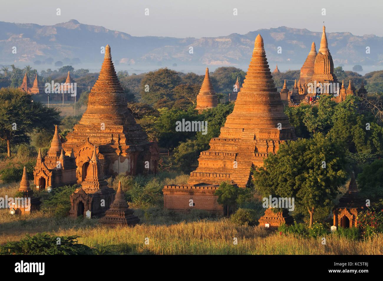 Pagoden und Tempel in Bagan. Bagan archäologische Zone ist ein Hauptfeld für die Tourismusindustrie des Stockbild