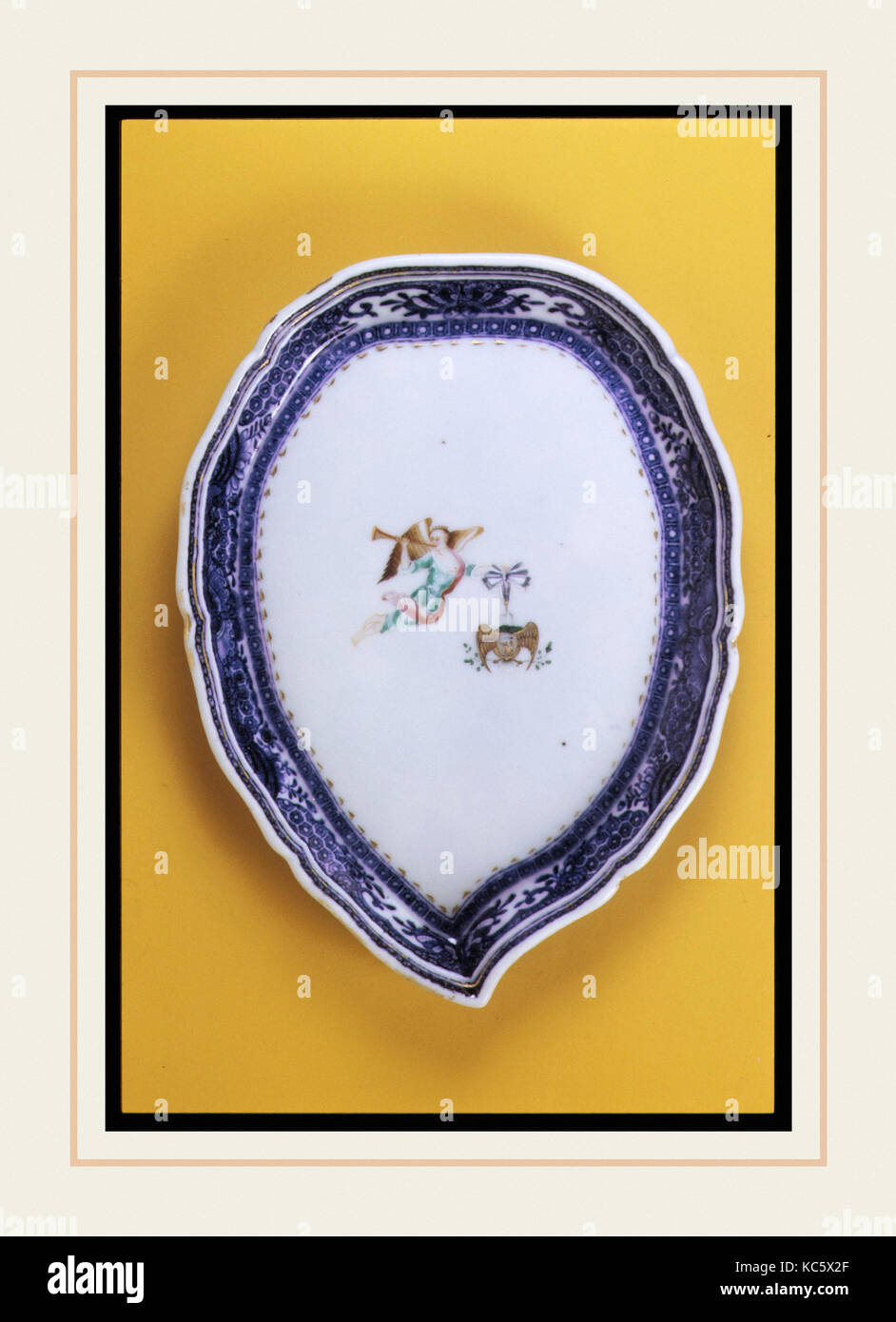 Pickle Dish, Ca. 1785, in China, Chinesische, Porzellan, 5 3/4 x 7 3/4 in. (14,6 x 19,7 cm), Keramik Stockbild