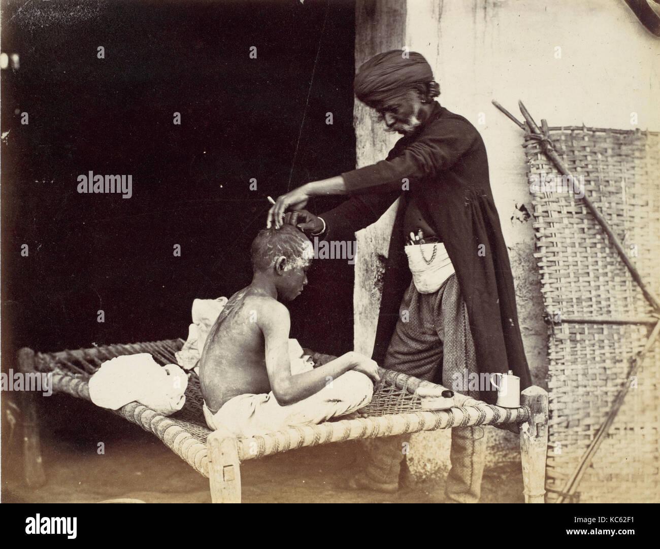 Indische Friseur-, 1860s, Eiklar silber Drucken aus Glas negativ, 14,9 x 19,4 cm. (5 7/8 x 7 5/8 in.), Fotografien, Stockbild