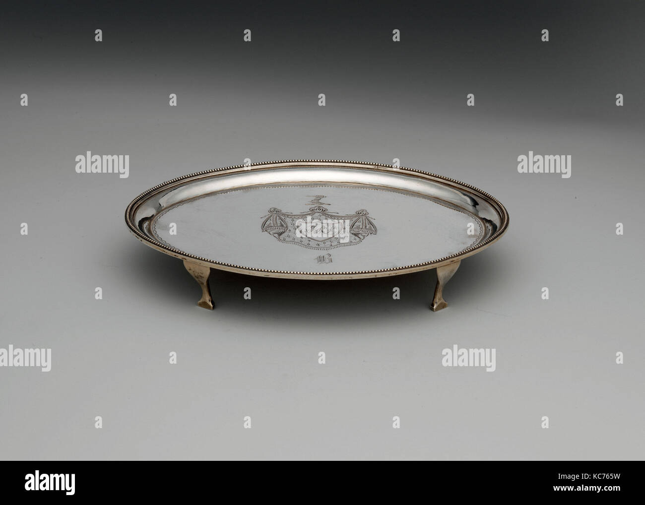 Stand 1790-1800, in New York, New York, United States, US-amerikanischer, Silber, 1 3/16 x 7 5/8 x 5 5/8 in. (3 Stockbild