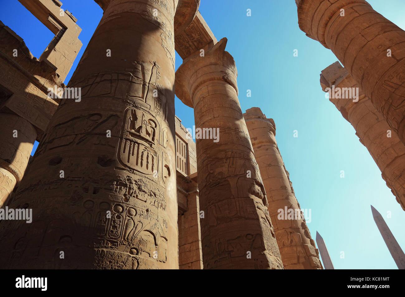 Luxor, Säulen der Tempel des Amun, Teil der Tempelanlage von Karnak, Oberägypten Stockbild