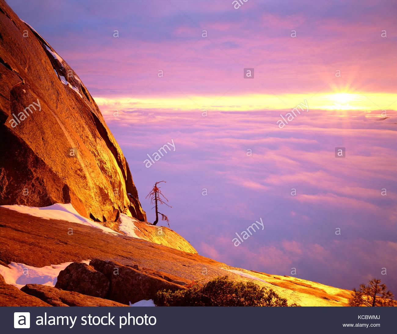 Clearing Sturm bei Sonnenuntergang von Moro Rock, Sequoia National Park, Kalifornien Stockbild