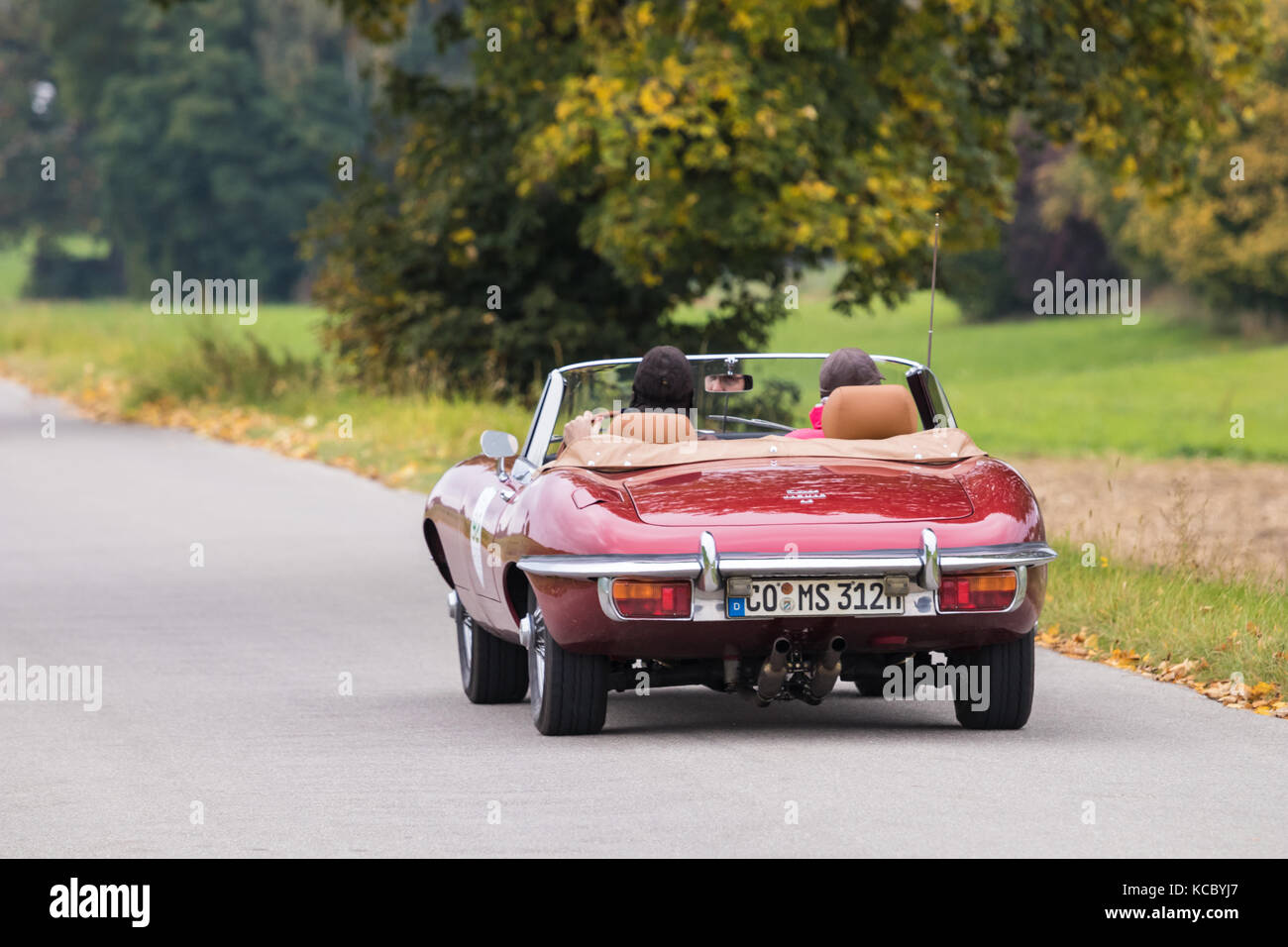 Augsburg, Deutschland - 1. Oktober 2017: Jaguar E-type Oldtimer Auto an der fuggerstadt Classic 2017 Oldtimer Rallye Stockbild
