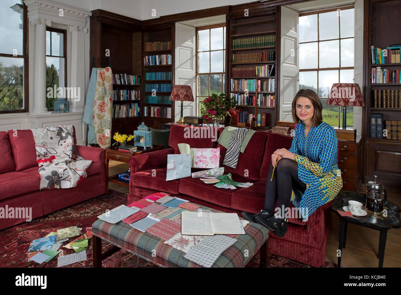 Interior Designer Stockfotos & Interior Designer Bilder - Alamy