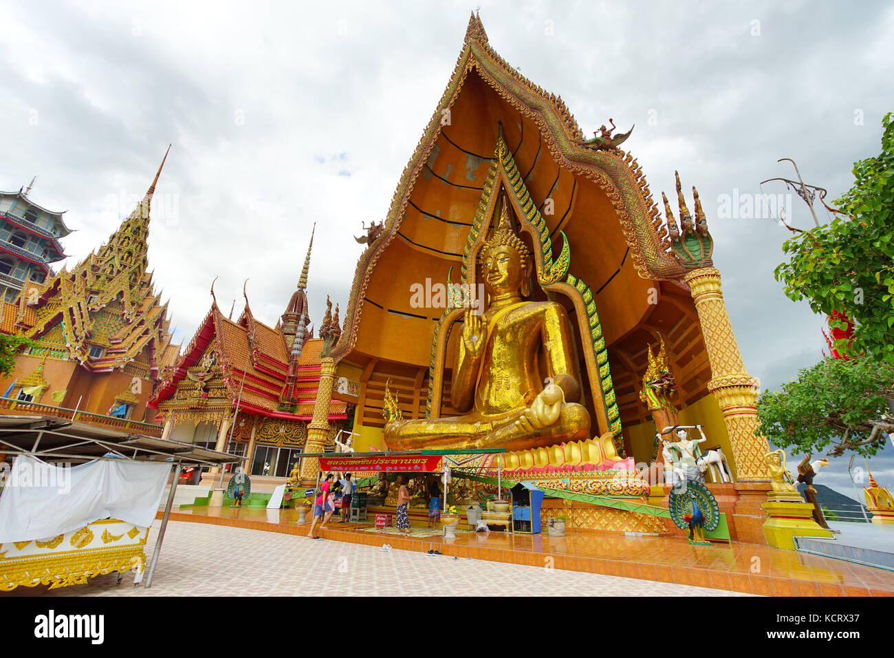 Kanchanaburi, Thailand - Juli 7, 2017: Wat Tham Sua ist die schönsten Tempel in Kanchanaburi, Thailand. 7. Juli Stockfoto