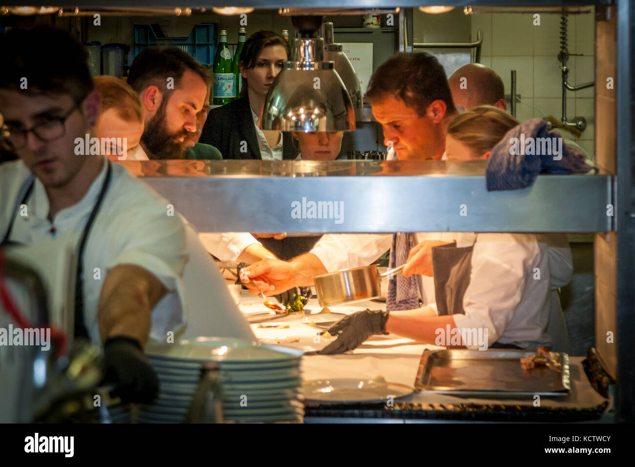 Line Chef Stockfotos & Line Chef Bilder - Alamy